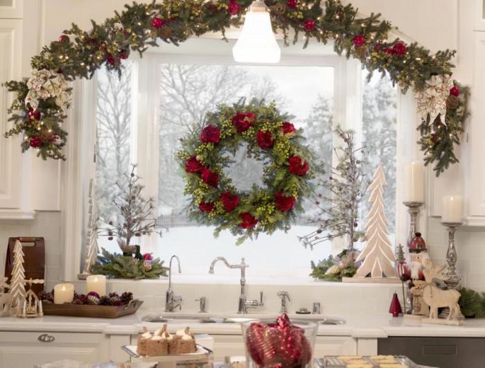 Декорация на прозорците с гирлянди от естествени материали
