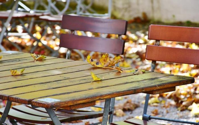 Време е за зазимяване на градинските мебели