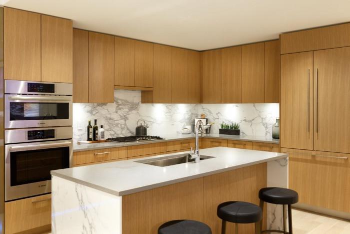 Кухненски шкафове с ефект дърво