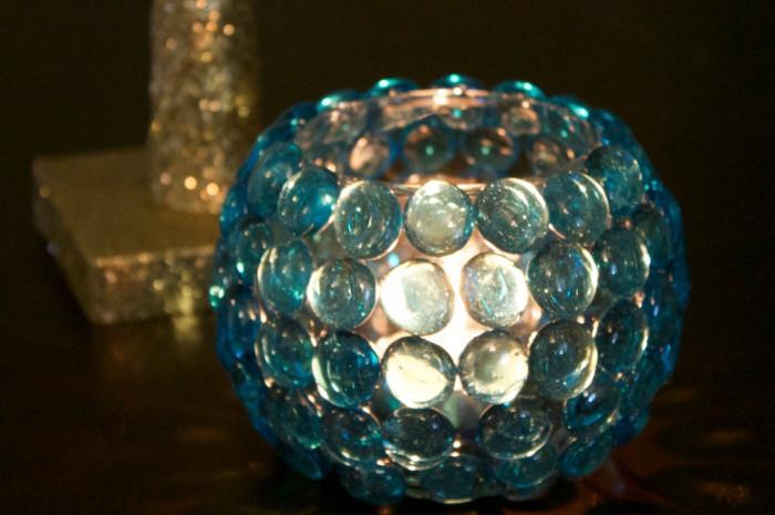Свещи със стъклени камъчета