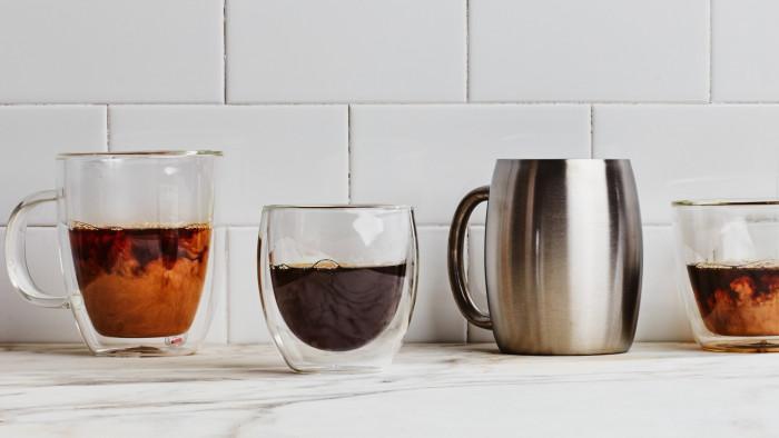 Възстановяване на по-стари  чаши с цветен спрей