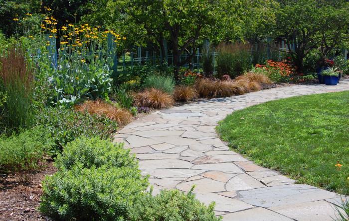 Не забравяйте за първото впечатление, което прави вашата градина