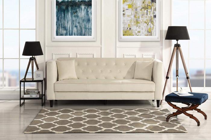 Кадифен диван в бежов цвят
