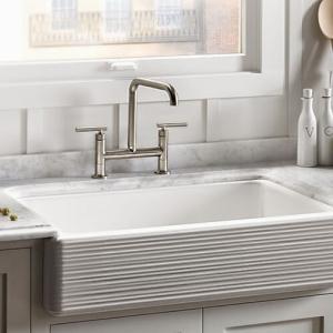 Практично домакинство с мивка от емайлиран чугун