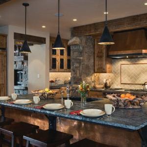 Рустик кухня в къщичка на хребет