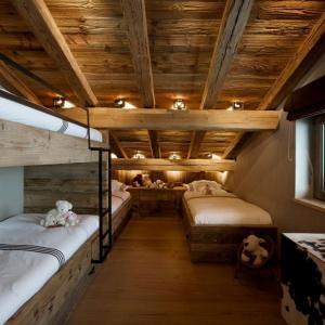 Спално помещение в мансардата с максимален брой легла