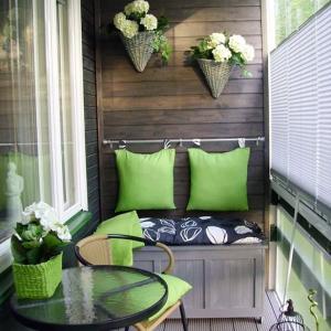 3. Балконска пейка