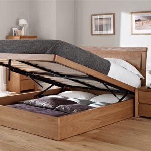 Легло с повдигащ се механизъм