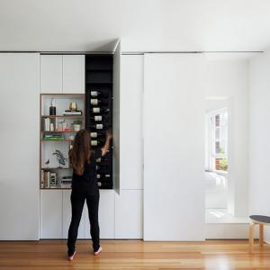 Този дом изненадва с удивителни възможности за съхранение