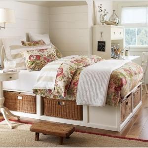 Спалня с панери – разкош и романтика