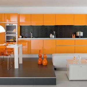 Кухня в пъстри цветове