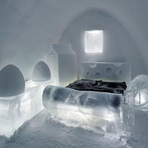 Легло в покоите на ледената кралица