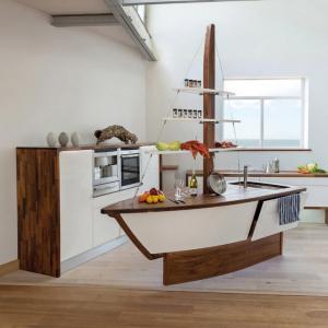 Кухненски остров под формата на лодка – защо не?