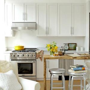 Ефектен и удобен разделител на малката кухня от дневната