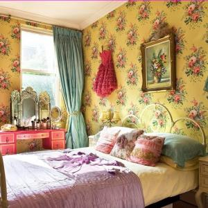 Завеси и тапети с флорални мотиви