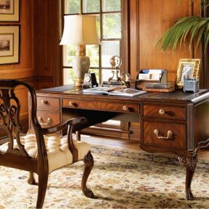Класически домашен офис
