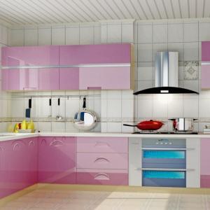 Нежен шепот в лилаво в минималистичната кухня