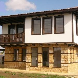 Едноетажни и двуетажни жилища