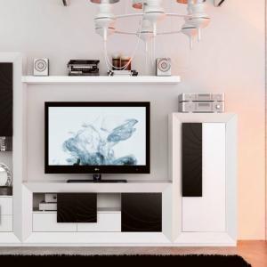 Заложете на мебел с функционални шкафове за съхранение
