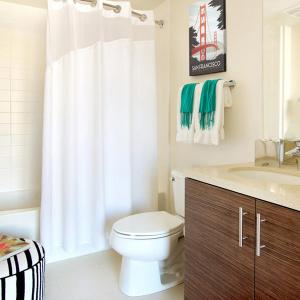 Хавлиите и кърпите за баня трябва да се освежават поне веднъж седмично