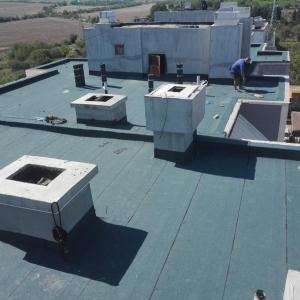 Плосък покрив двупластова система