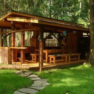 В какво се крие красотата на дървените беседки?