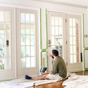 Следва боядисване на вътрешните врати