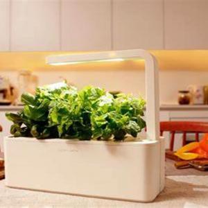 Smart Herb Garden - космическата градина