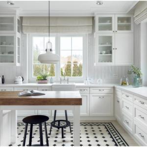 Кухненски шкафове със стъклени вратички