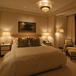 Нужно ли е силно осветление в спалнята?