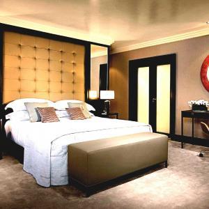 Нощни лампи в спалнята: разнообразие от модели
